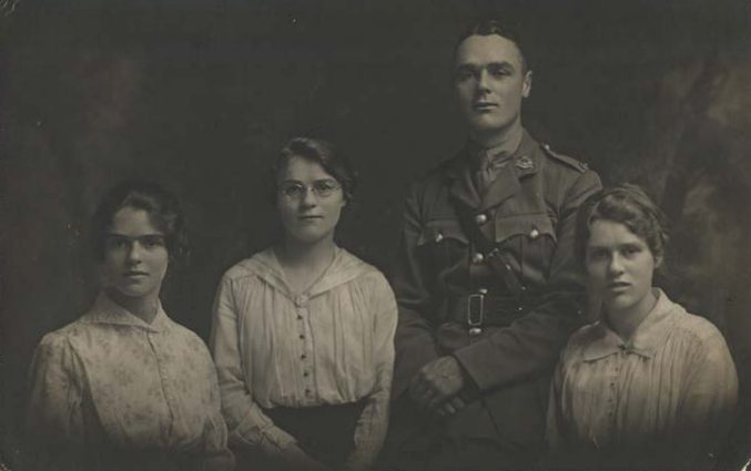 Find-a-Photo. Captain Alfred Eldred Iliffe, Bedfordshire Regiment, photographed with his sisters in 1917